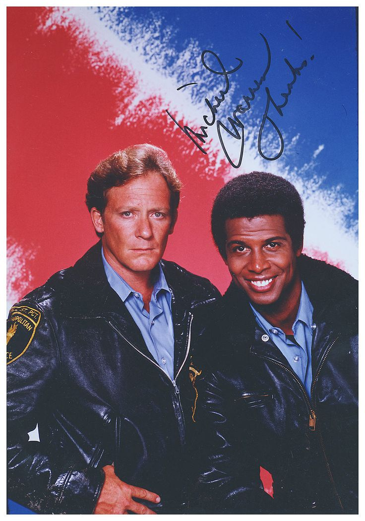 "Charles Haid as Officer Andrew ""Andy"" Renko and Michael Warren as Officer Robert ""Bobby"" Hill on ""Hill Street Blues."