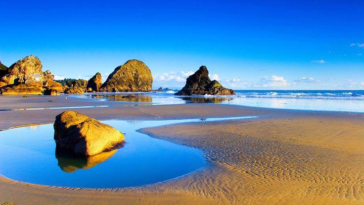 Happy Independence Day #Oman. The magical #beach view of #Salalah.  #lightfunc #nature #rocks #beautiful #photograpy https://www.google.co.uk/search?bih=631&biw=1366&tbm=isch&sa=1&q=oman+salalah+road+trip&oq=oman+salalah+road+trip&gs_l=img.3...125519.129341.0.129673.0.0.0.0.0.0.0.0..0.0....0...1c.1.64.img..0.0.0.wCwhwGKNN70