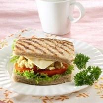 SANDWICH TELUR KEJU http://www.sajiansedap.com/mobile/detail/14793/sandwich-telur-keju