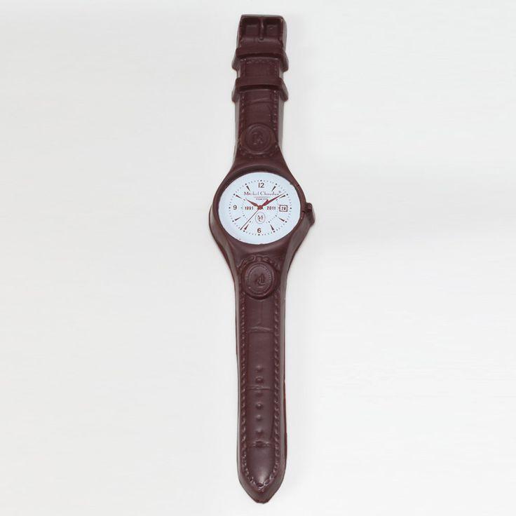 メゾン ショーダンが得意とする造形型のショコラ。美しく時を刻むショコラこそジル マルシャル氏の手仕事です。腕時計型ビターチョコレート。