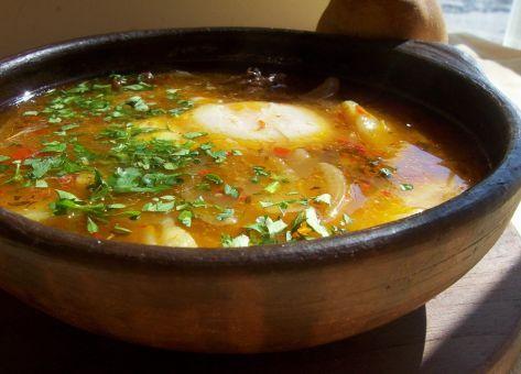 Esta Receta de Valdiviano es un plato típico del Sur de nuestro país, originario de  la Ciudad de Valdivia e ideal para los fríos y lluviosos días de invierno.