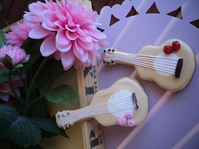 guitarras de galleta en glasa