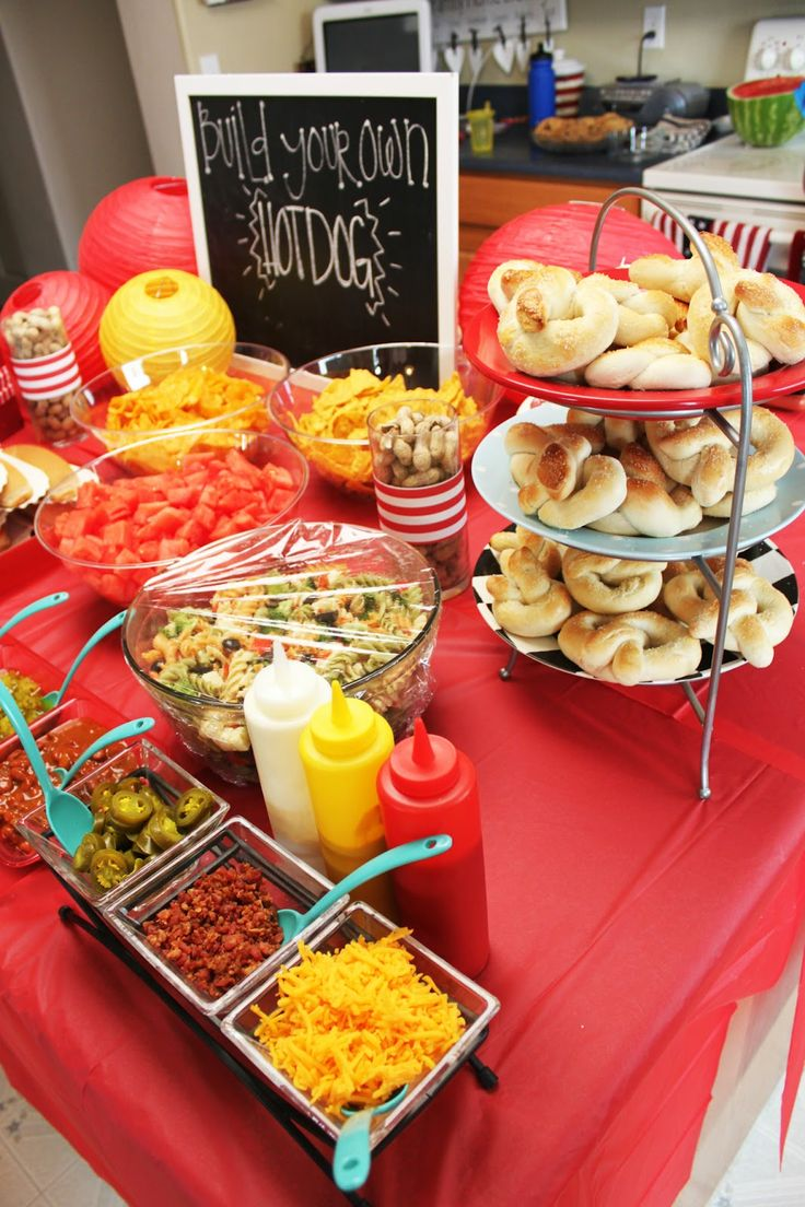 17 best ideas about hot dog stand on pinterest hot dog buffet hamburger bar and hot dog parties. Black Bedroom Furniture Sets. Home Design Ideas
