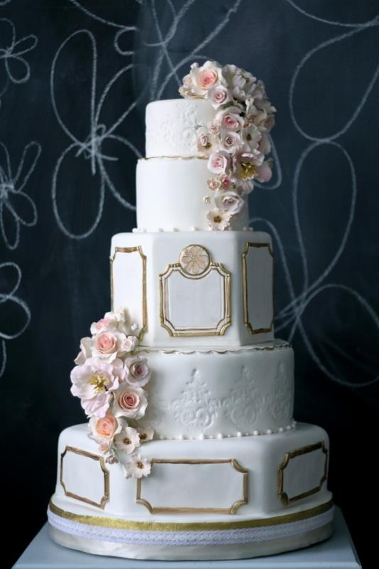 Big gold and flowered cake