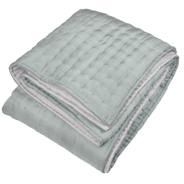 21 best images about linge de lit silk quilted bed - Couvre lit gris clair ...