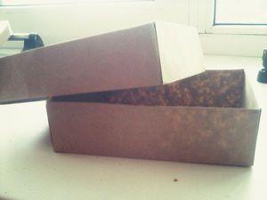 Видеоурок: как сделать упаковочную коробку из оберточной бумаги за 5 минут - Олеся Копылова (FOTOpapki) - Ярмарка Мастеров http://www.livemaster.ru/topic/2329585-videourok-kak-sdelat-upakovochnuyu-korobku-iz-obertochnoj-bumagi-za-5-minut