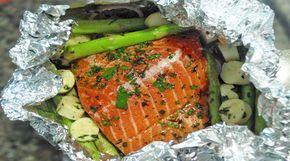 Receita de Papelote de salmão, aspargos frescos