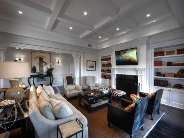 Modernistyczny salon z kominkiem