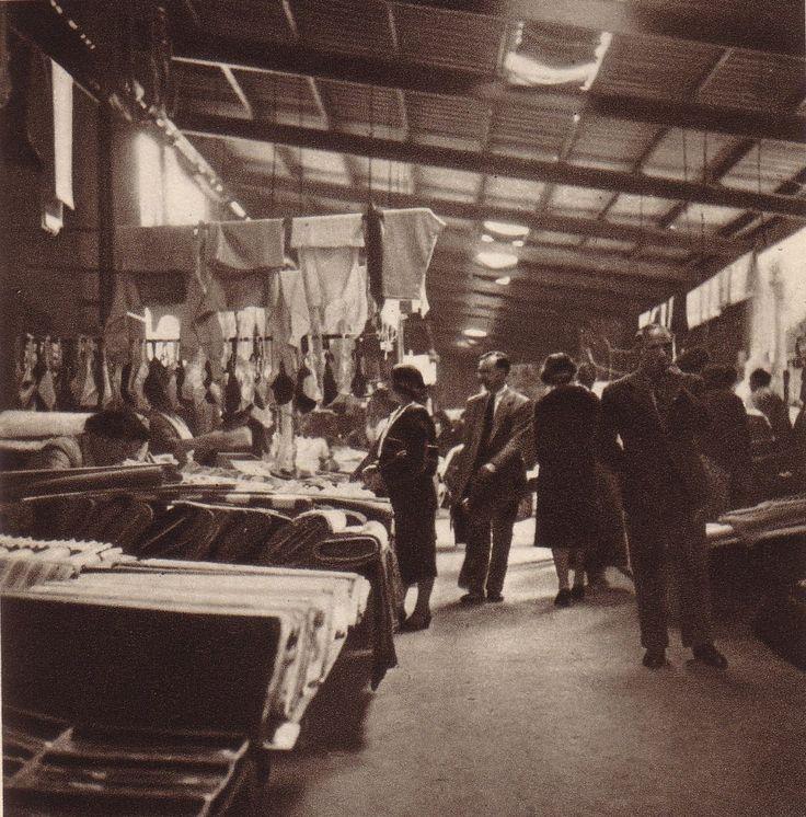 1949.- Venta de tejidos (Mercado S Antonio).