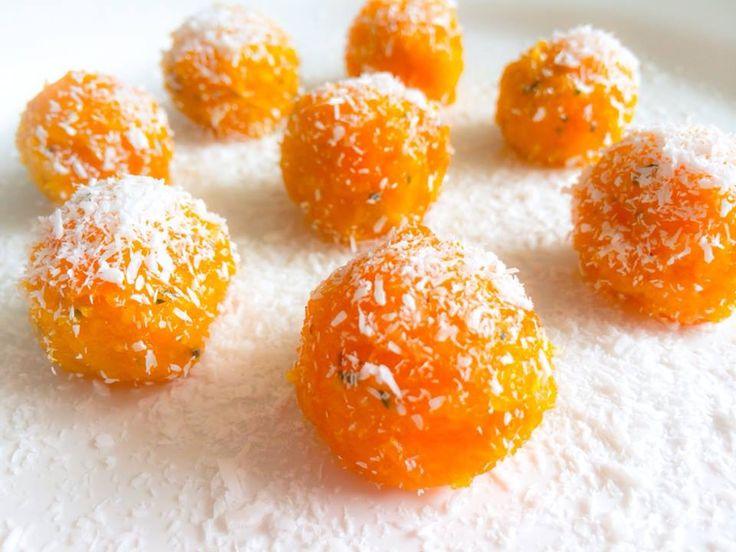 Oranje balletjes van mango, abrikoos, dadels en hennepzaad