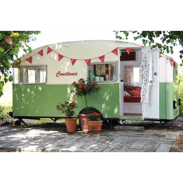 I wish I had a retro caravan!!