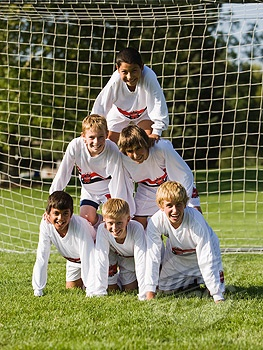 Soccer pose soccer team/ would love to do this with my team, don't think we be able to do it though ...