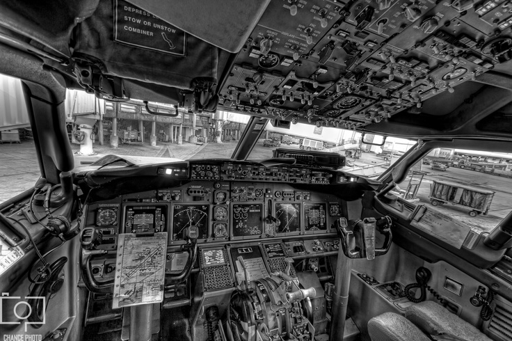 boeing 737 cockpit on pinterest aircraft airplanes and planes. Black Bedroom Furniture Sets. Home Design Ideas