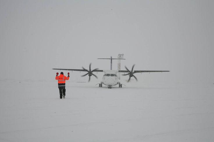 Aeroportul Henri Coandă București operează în condiții de iarnă (6 ianuarie 2017)