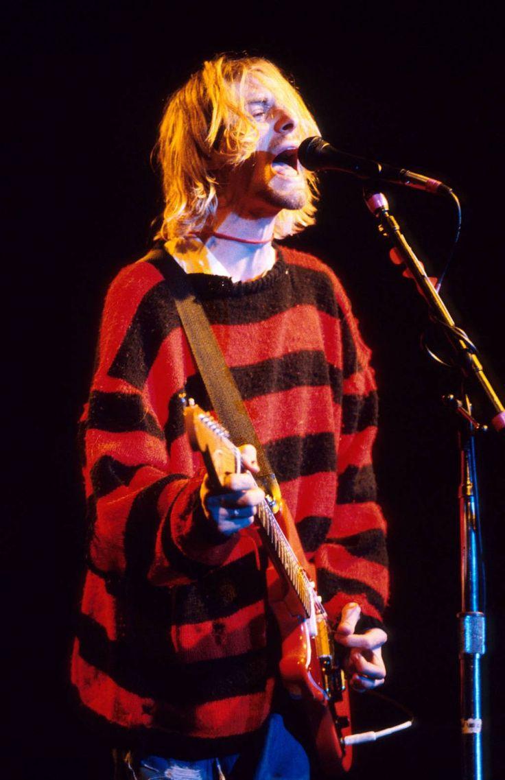 Kurt Cobain live in 1990