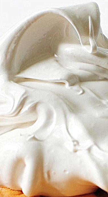 Easy 7 Minute Vanilla Frosting Recipe - the perfect light frosting for so many kinds of baked goodies, cakes and pies - it's light and fluffy and not too sweet. ❊