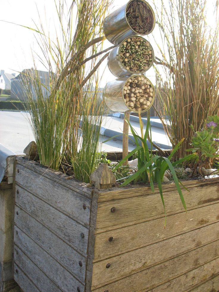hotel insectes tuin pinterest bug hotel insect. Black Bedroom Furniture Sets. Home Design Ideas