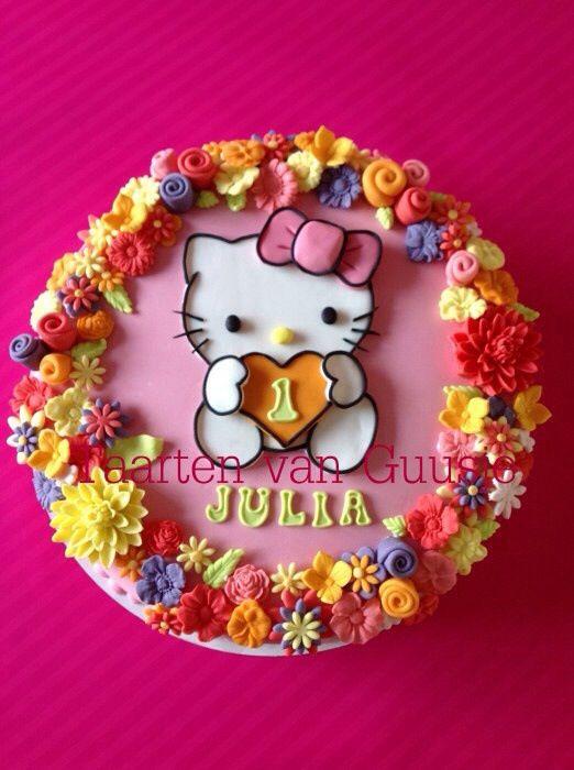 Taarten van Guusje Hello kitty cake www.taartenvanguusje.nl