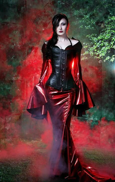 Wicked leather look tight skirt and bodice top on this #Goth girl - www.facebook.com/alternativestylepolska