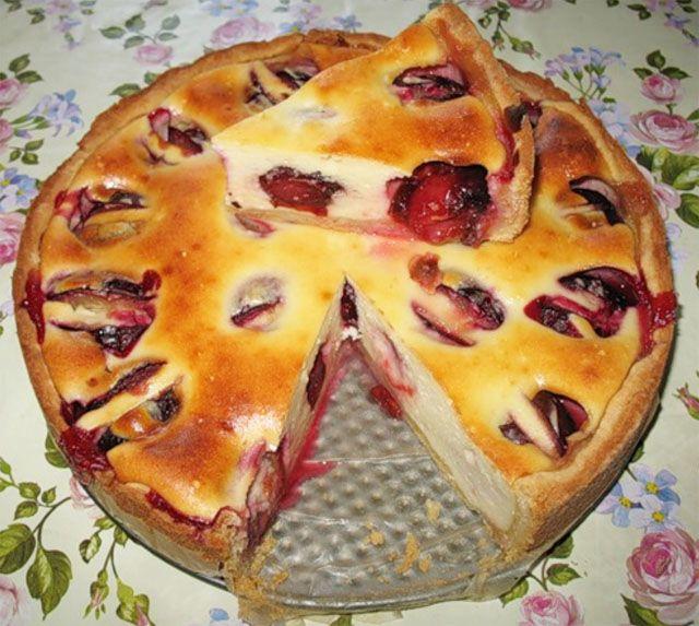 Сливовый пирог с творожным Кремом