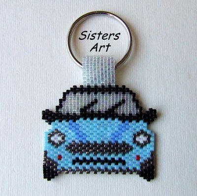 """Portachiavi """"Mini"""" realizzato con perline Miyuki delica, by Sisters Art, in vendita su http://www.misshobby.com/it/negozi/sisters-art"""