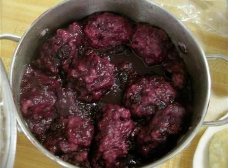 Blackberry Dumplings Recipe.  My mother used to make this every year with fresh picked blackberries from George Morikami's farm in Delray Beach Florida -  One of my most favorite memories! And it's easy, quick and most of all, DELICIOUS!