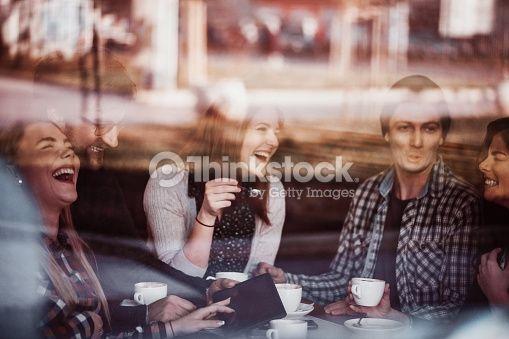 Foto de stock : Amigos en Café bebiendo café