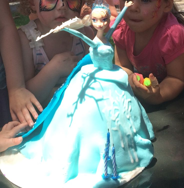 Elsa with her Cape