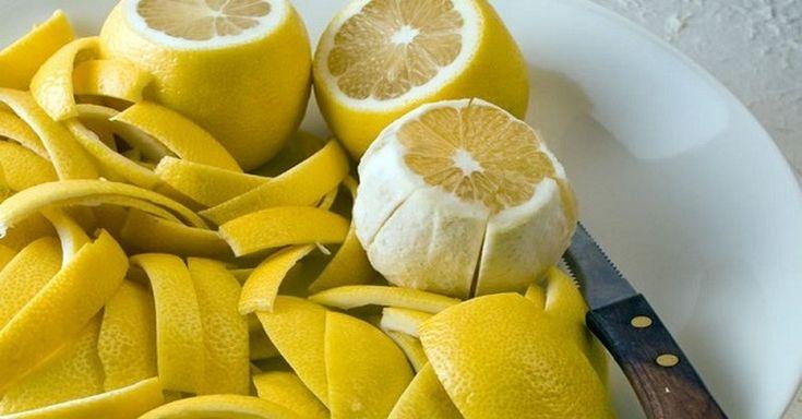 Citrónová kôra lieči kĺby: Recept, po ktorom sa ráno zobudíte bez bolestí Recept na boľavé kĺby Na tento recept budete potrebovať nasledovné suroviny:  kôru z 2 citrónov panenský olivový olej (lisovaný za studena) zaváraninové sklíčko s vrchnákom