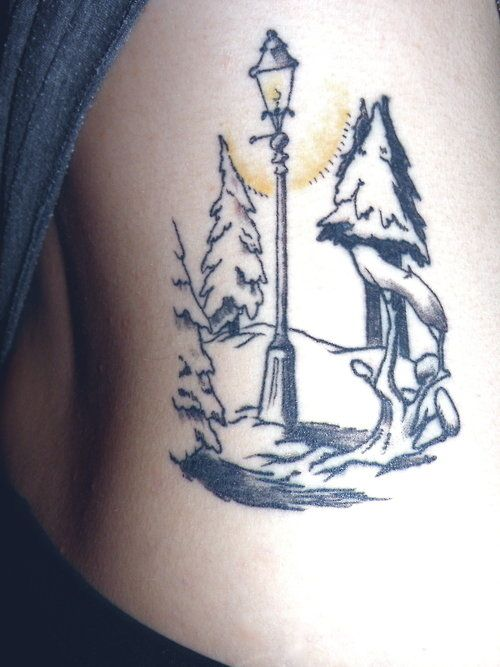 The Chronicles of Narnia lamppost tattoo. I will have this on my body, I WILL.