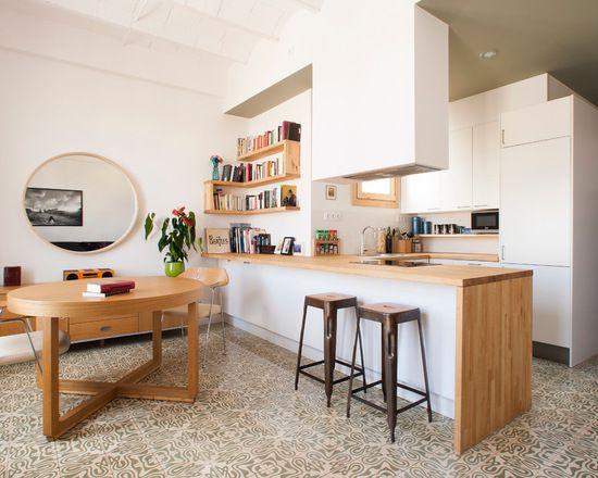 Small Scandinavian U-shaped Kitchen Design Ideas, Renovations & Photos