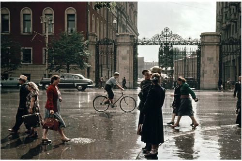Spring is coming! Tverskaya street (1950-s)