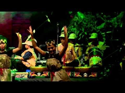 Spirit of the Hornbill Dance Troupe 2 - Bali Spirit festival 2015 - YouTube