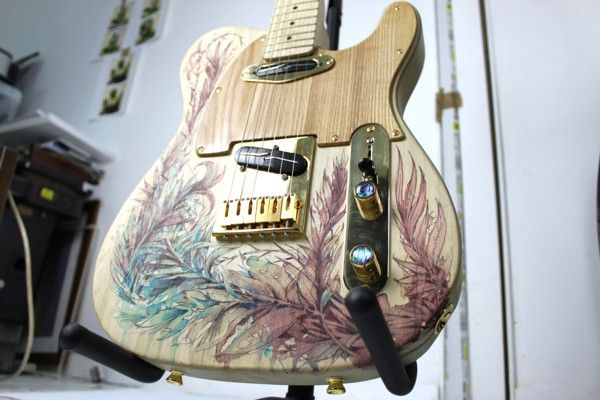 Custom Telecaster Guitar by Carne Griffiths, via Behance > mirá @Pablo Menegol
