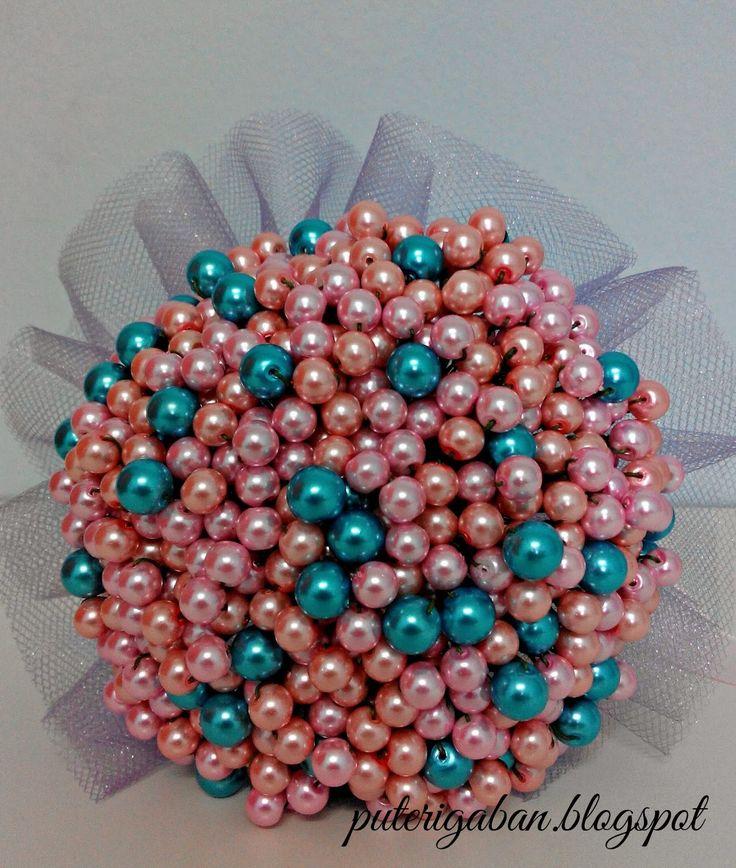 Nursaila Norman: Pearl Hand Bouquet : Bride 2 Be Wangsa Maju