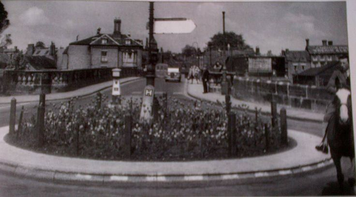 Long gone roundabout at the end of the Welsh Bridge, Shrewsbury, Shropshire