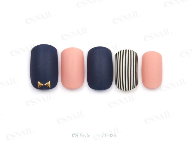 Nails/// navy x peach, stripes, gold bow