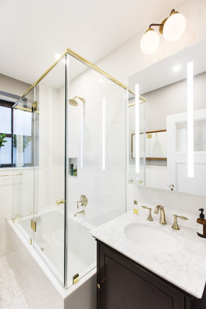 A Nyc Bathroom Remodel Restores Prewar Beauty Bathroom Remodel Cost Budget Bathroom Remodel Bathrooms Remodel