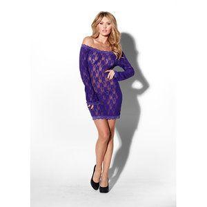 Een mooie aansluitende kanten jurk met lange mouwen. De jurk laat naar keuze één of beide schouders bloot. Deze verleidelijke paarse jurk is gemaakt van mooi transparant kant. http://www.adorelingerie.nl/Divine-Diva-Long-Sleeve-Netjurk-Paars