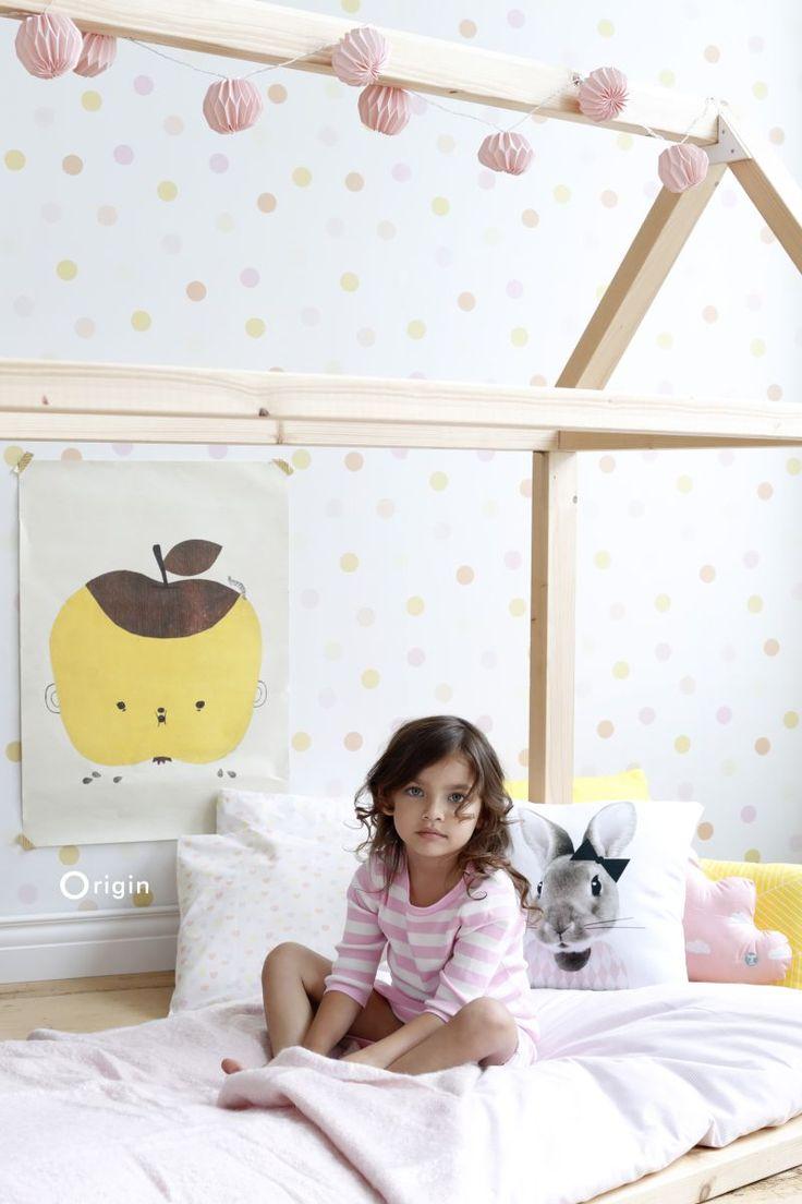 wallpaper polka dots light pastel yellow, light pastel peach orange, light pastel powder pink and matt white Hide & Seek 347510 #behang #Tapete #papierpeint #wallpaper #stip #geel #pastel #perzik #oranje #peach #roze #polkadots #yellow #pink #Punktmuster #gelb #rosa #huisje #oudroze #meisjeskamer #kinderkamer #speelhuis #scandinavisch #girlsroom