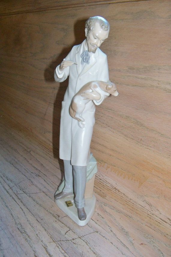 Lladro Figurine The Veterinarian with Dog by ...
