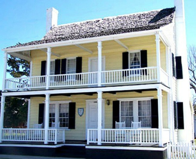 Josiah Bell House, c1825.  This Victorian house served as the residence of the influential Bell family of Beaufort. Josiah Fisher Bell, son of the home's namesake, was a Confederate agent who was responsible for blowing up a series of lighthouses at Cape Lookout during the Civil War. (Photo by Beaufort Historic Site)