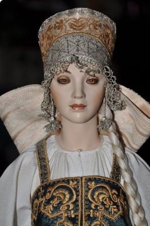 Russian art doll in a kokoshnik by Alexandra Koukinova.