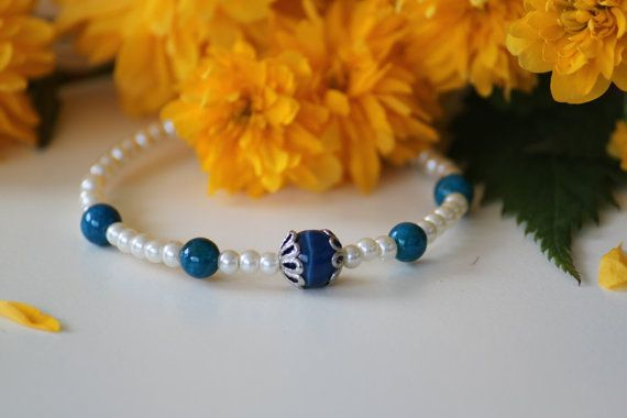 Bridal memory bracelet with white pearl beads by DeaJewelryStore