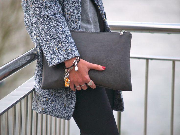 Bolso de mano y pulseras. | Tiffany&Co, Juicy couture, cat.