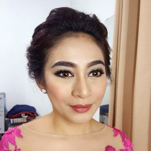 Foto rias rambut & makeup pernikahan oleh LOUE.S Makeup Artist