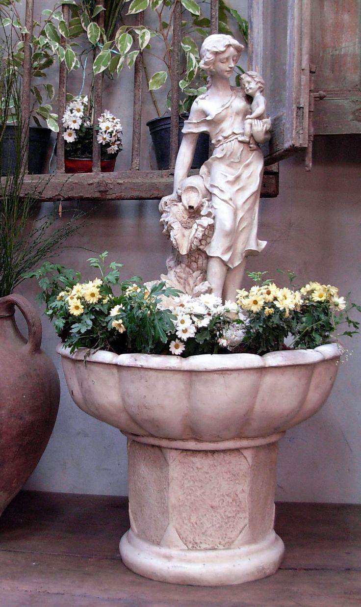 Fuente de agua, Antiguedades Carroza