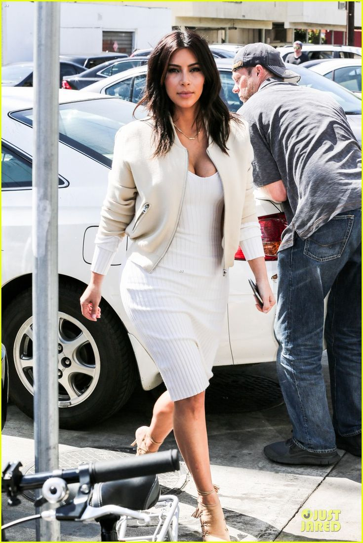 Best 25 Kim Kardashian White Dress Ideas On Pinterest Kim Kardashian Hair Wedding Kim