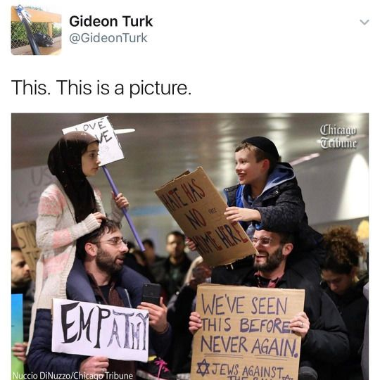 Jews and Muslims protesting together