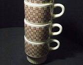 4 Brown White Checked Stack-able Coffee Cups Tea cups Mod Flower  Retro  hot chocolate mug  Kitchen mugs  Set of 4 Ceramic Mugs U.S.A. made